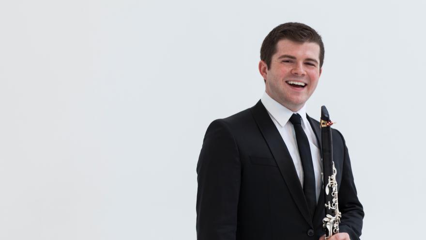 Julian Bliss klarinetista eta Ravel, Euskadiko Orkestraren kontzertu-programa berriko protagonistak
